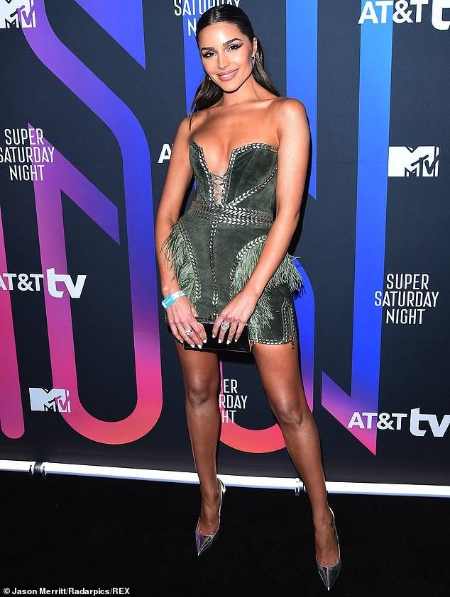 'Mỹ nhân gợi cảm nhất thế giới' Olivia Culpo mặc hở ngực táo bạo đi sự kiện ảnh 6