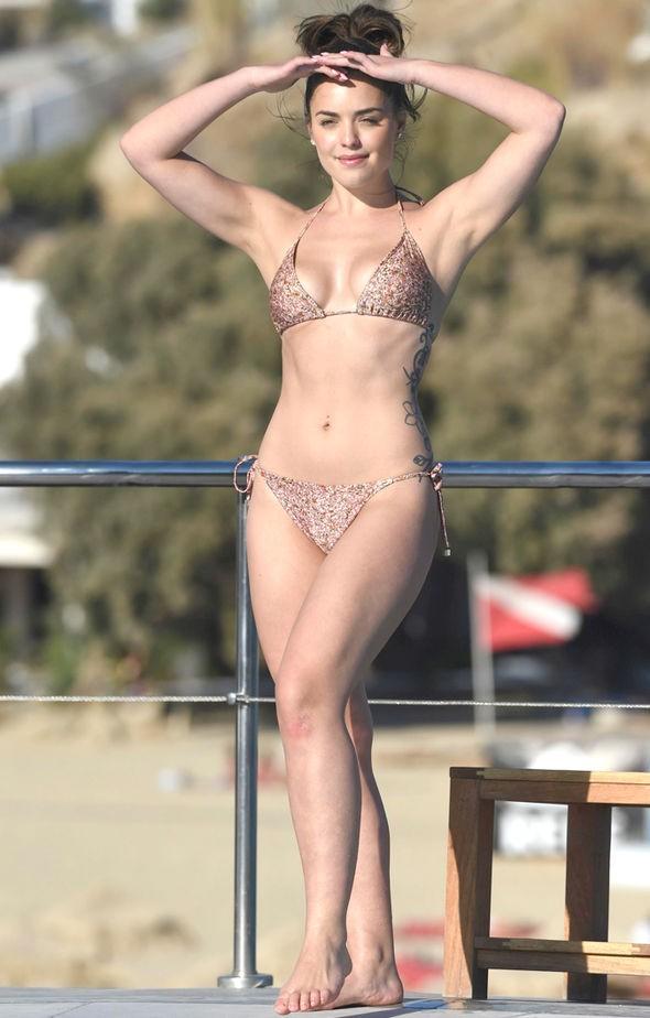 Người đẹp truyền hình 9x ở Úc tròn đầy 'gây mê' cánh mày râu ảnh 5
