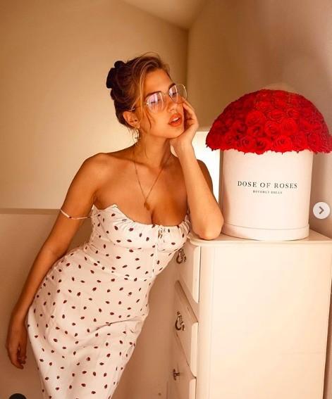 Loạt siêu mẫu nội y tung ảnh nóng 'bỏng rẫy' đón Valentine ảnh 7
