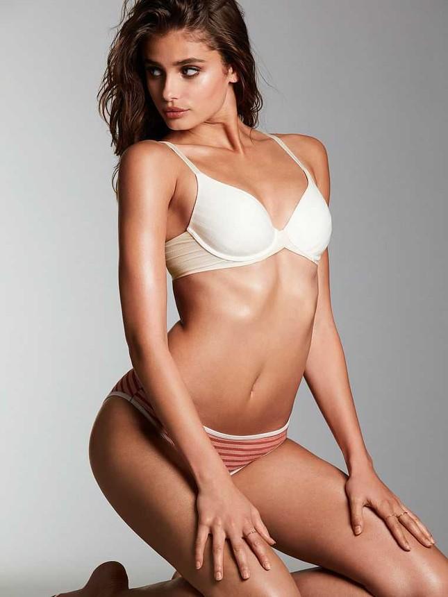 Taylor Hill tung ảnh bikini nhỏ xíu, khoe trọn vòng 3 nóng bỏng ảnh 11