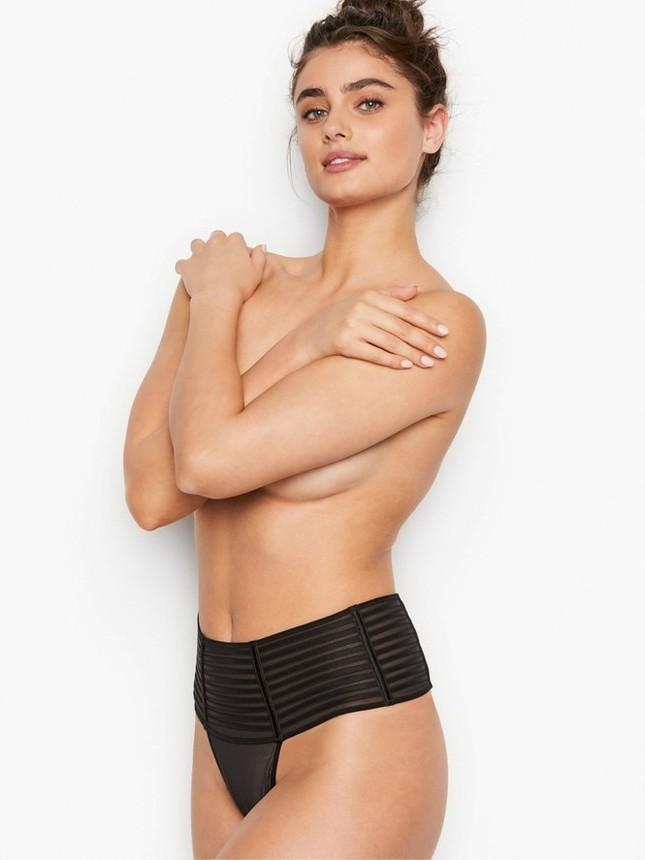 Taylor Hill tung ảnh bikini nhỏ xíu, khoe trọn vòng 3 nóng bỏng ảnh 6