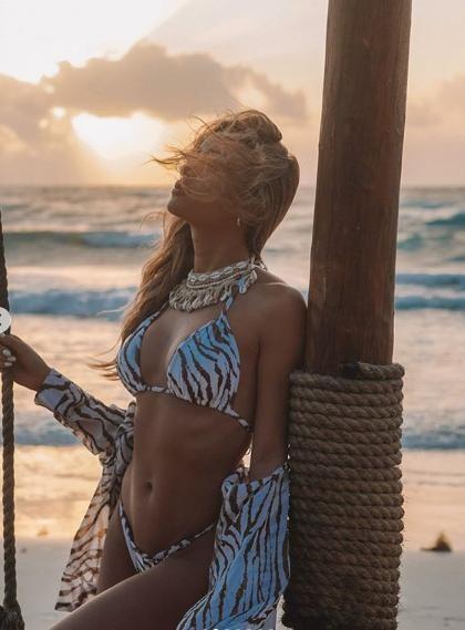 Siêu mẫu 'bốc lửa' Cindy Prado tung ảnh áo tắm gây 'bão' fan ảnh 2