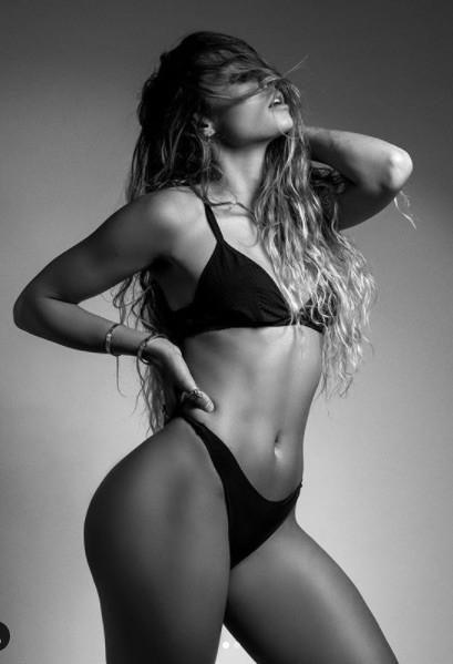 Vóc dáng 'bốc lửa' của mẫu nữ thể hình sexy hàng đầu ở Mỹ ảnh 3
