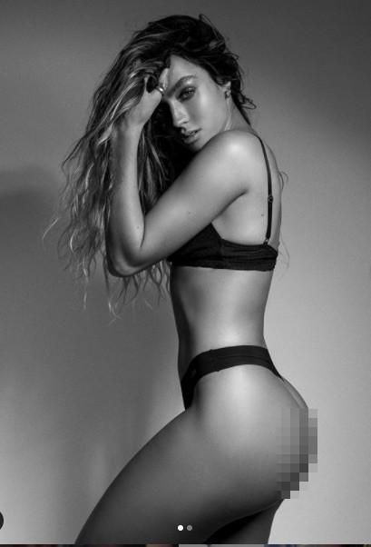 Vóc dáng 'bốc lửa' của mẫu nữ thể hình sexy hàng đầu ở Mỹ ảnh 1