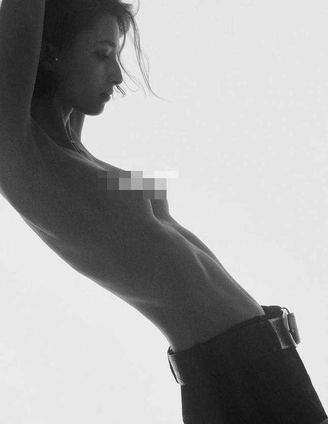 Loạt ảnh bán nude đẹp như tạc tượng của chân dài nước Úc cao 1m83 ảnh 12