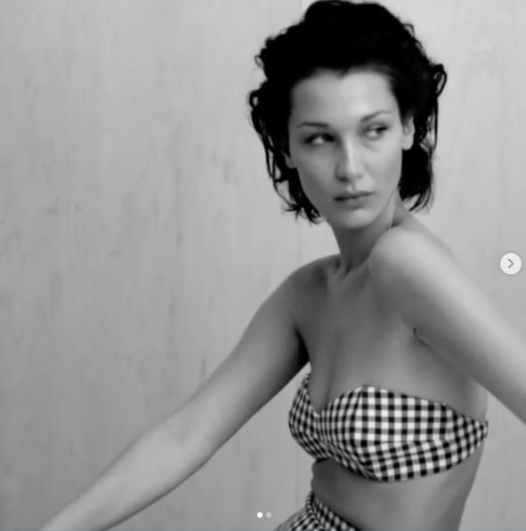 Bella Hadid tung clip để ngực trần, phô dáng đẹp như thần Vệ nữ ảnh 9