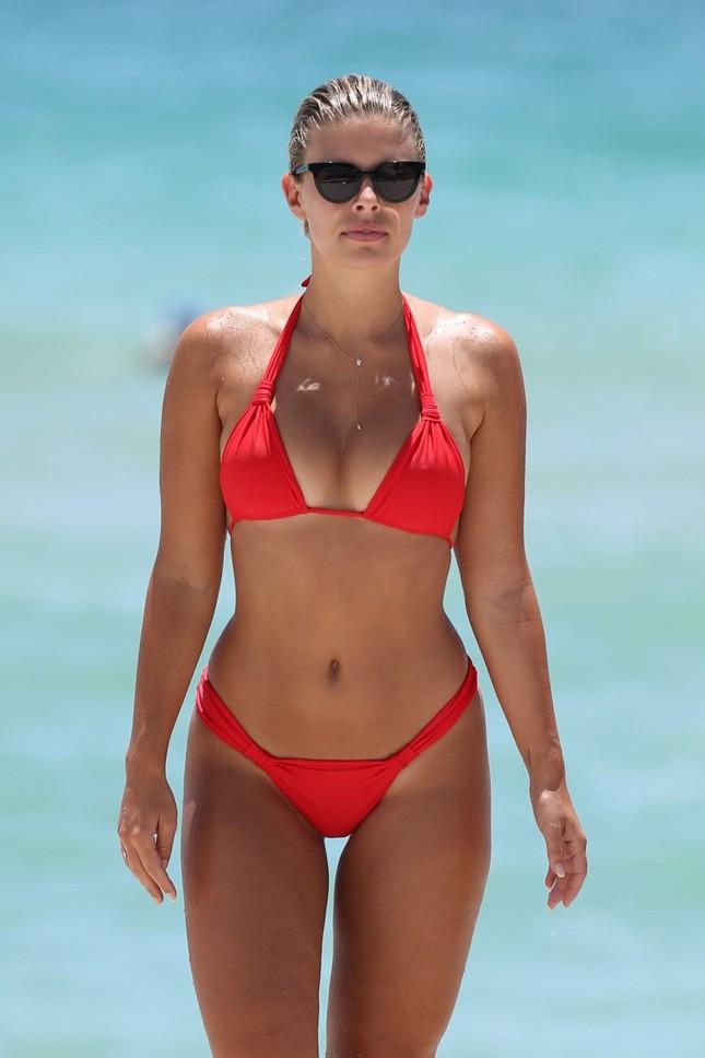 Người mẫu Úc có số đo hình thể 'vàng', siêu nóng bỏng ảnh 12