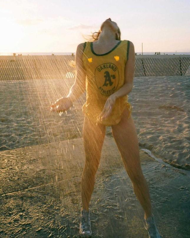 Siêu mẫu Playboy 'bốc lửa' đầy khiêu khích khiến các chàng trai 'đổ rạp' ảnh 5