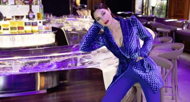 'Tượng đài nhan sắc' Monica Bellucci đẹp không tưởng ở tuổi 56 ảnh 4
