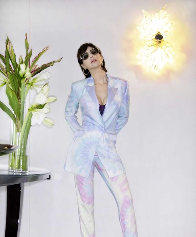 'Tượng đài nhan sắc' Monica Bellucci đẹp không tưởng ở tuổi 56 ảnh 5