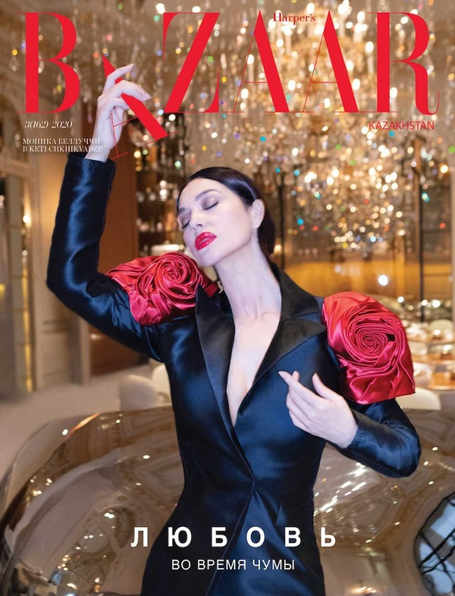 'Tượng đài nhan sắc' Monica Bellucci đẹp không tưởng ở tuổi 56 ảnh 1