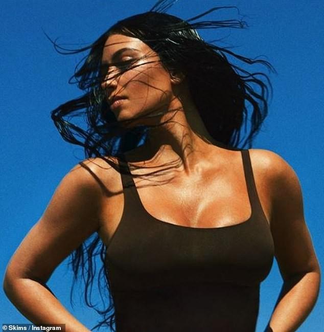 Kim Kardashian tung ảnh nội y đẹp mê mẩn 'khó cưỡng' ảnh 7