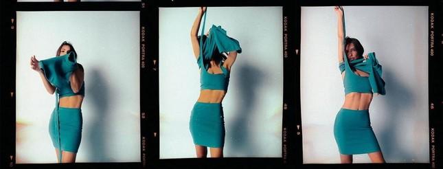 Đường cong 'gây mê' của mỹ nhân áo tắm nóng bỏng hàng đầu ảnh 1