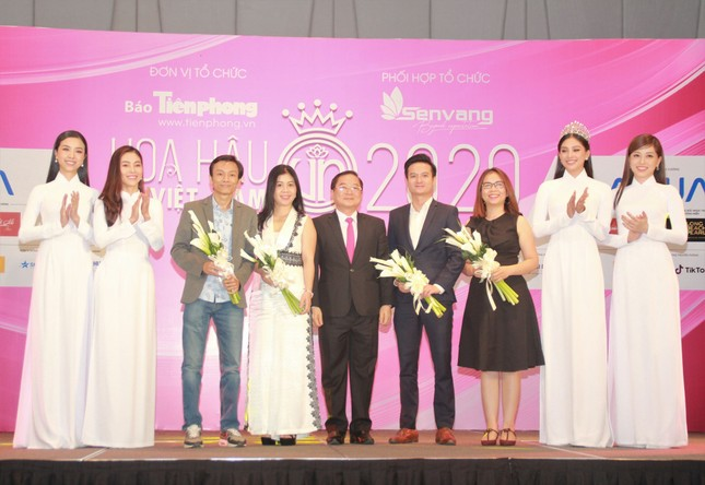 Hoa hậu Việt Nam 2020: Sẽ có những dự án tôn vinh đội ngũ phòng chống COVID-19 ảnh 11