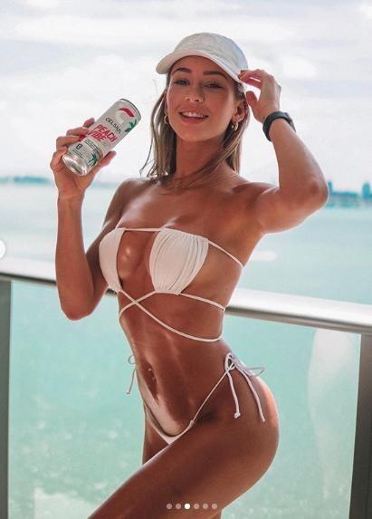 Cindy Prado nóng bỏng 'nghẹt thở' với bikini bé xíu ảnh 2