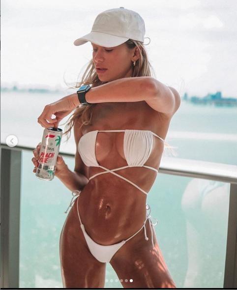Cindy Prado nóng bỏng 'nghẹt thở' với bikini bé xíu ảnh 5
