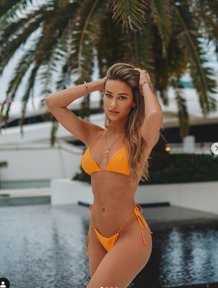 Cindy Prado nóng bỏng 'nghẹt thở' với bikini bé xíu ảnh 8