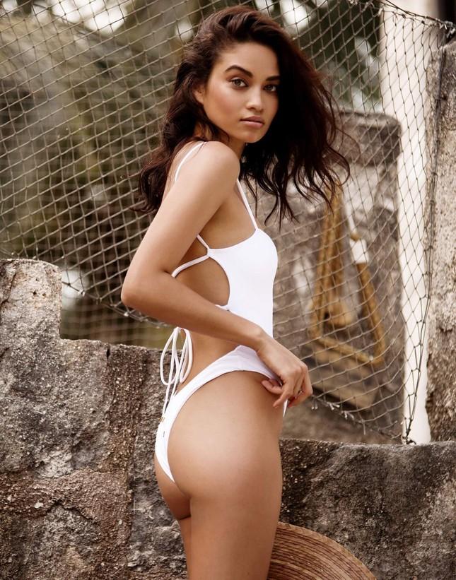 Siêu mẫu Úc Shanina Shaik đẹp mê mẩn với áo tắm ảnh 2