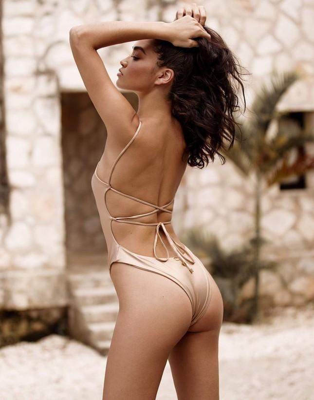 Siêu mẫu Úc Shanina Shaik đẹp mê mẩn với áo tắm ảnh 3