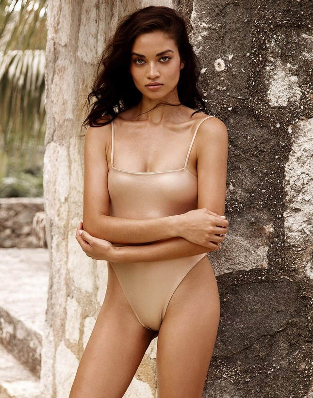 Siêu mẫu Úc Shanina Shaik đẹp mê mẩn với áo tắm ảnh 4