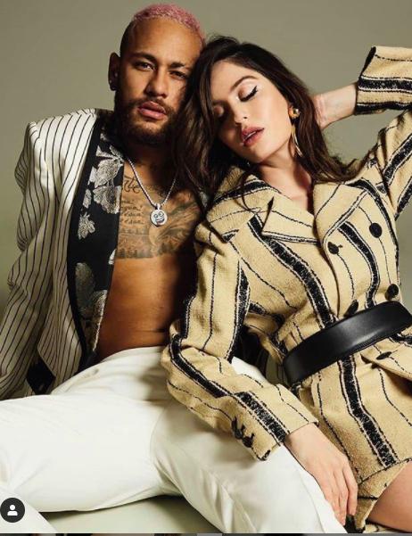 Neymar và bạn gái siêu mẫu chụp ảnh tình tứ khiến fan 'tan chảy' ảnh 2