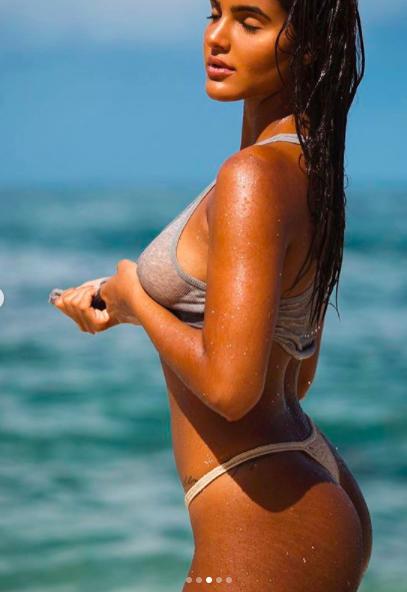 Vẻ 'bốc lửa' hoang dại của nàng mẫu 22 tuổi Julia Muniz ảnh 3