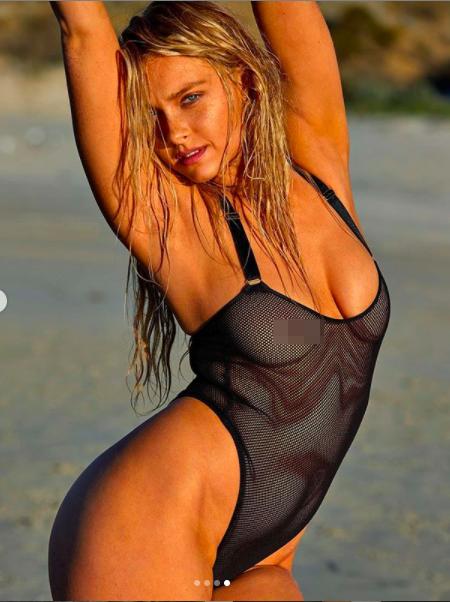 Mẫu áo tắm Camille Kostek quá sexy khó rời mắt ảnh 8