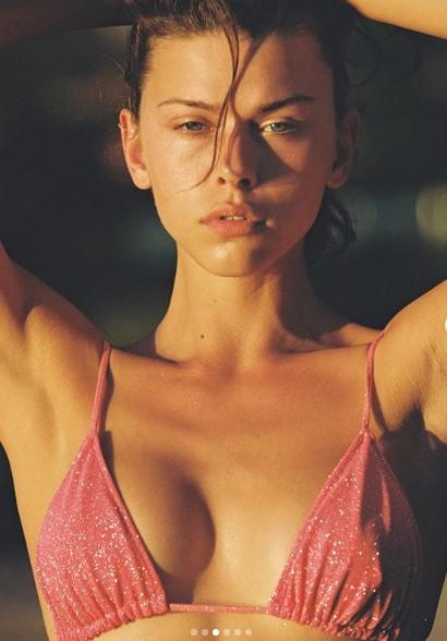 Vẻ gợi cảm đầy hoang dại của mẫu 9x Georgia Fowler ảnh 2