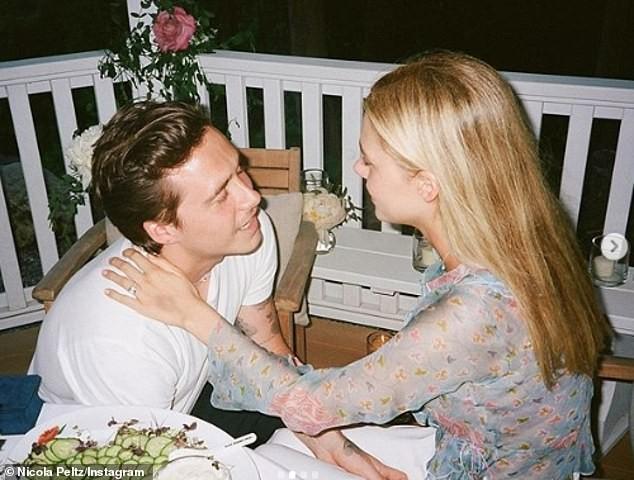 Hana Cross tung ảnh bikini nhìn xa xăm khi tình cũ Brooklyn Beckham sắp cưới con tỷ phú ảnh 8