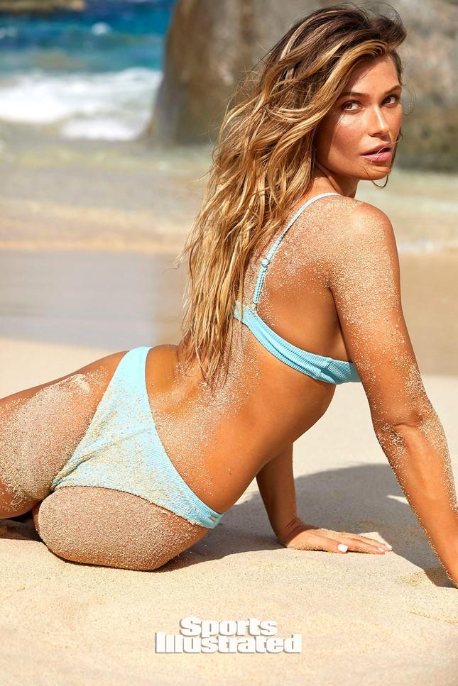 Samantha Hoopes nóng bỏng 'nghẹt thở' trên tạp chí áo tắm danh tiếng ảnh 13