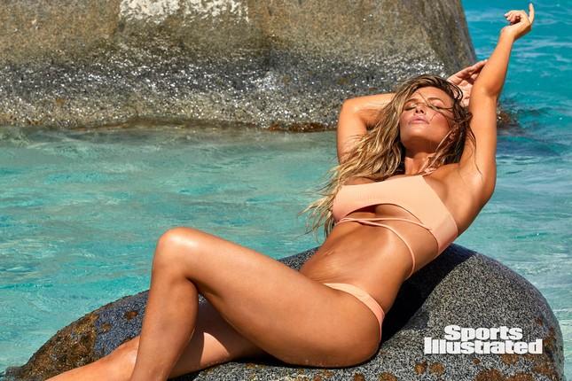 Samantha Hoopes nóng bỏng 'nghẹt thở' trên tạp chí áo tắm danh tiếng ảnh 16