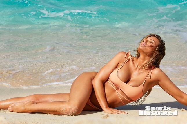 Samantha Hoopes nóng bỏng 'nghẹt thở' trên tạp chí áo tắm danh tiếng ảnh 5