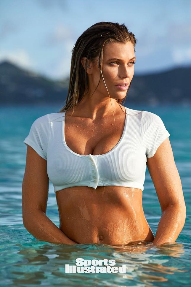 Samantha Hoopes nóng bỏng 'nghẹt thở' trên tạp chí áo tắm danh tiếng ảnh 9