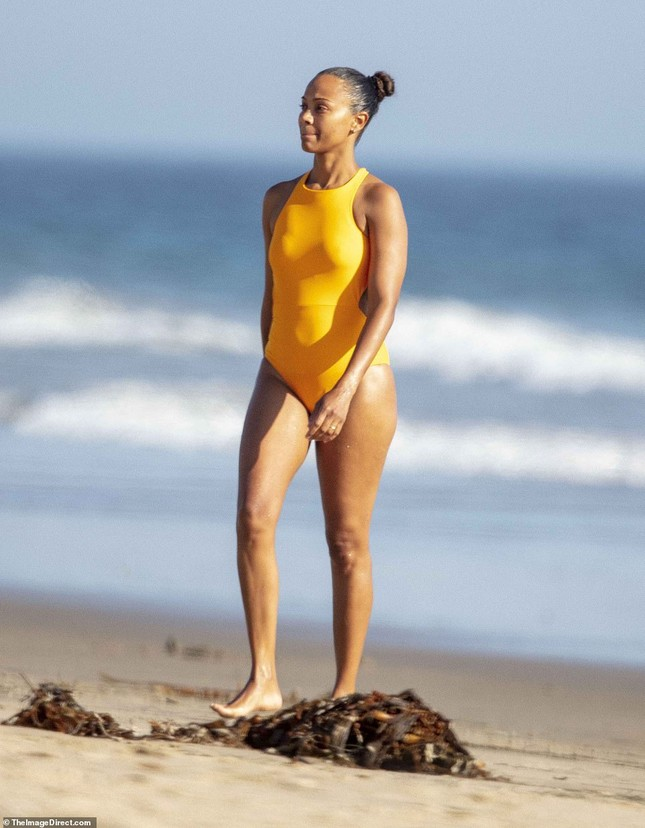 Sao 'Avatar' hiếm hoi lộ ảnh mặc áo tắm trước công chúng ảnh 4