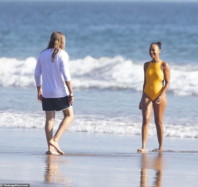 Sao 'Avatar' hiếm hoi lộ ảnh mặc áo tắm trước công chúng ảnh 5
