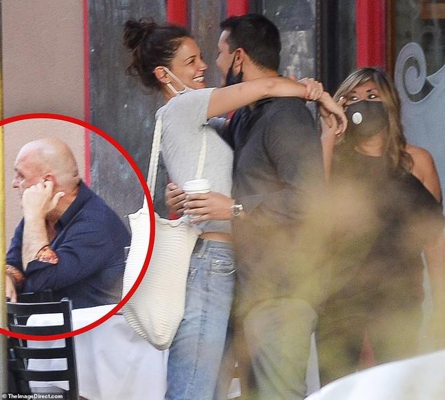 Katie Holmes hôn say đắm bồ trẻ, dường như chưa hạnh phúc như thế sau ly hôn Tom Cruise ảnh 4