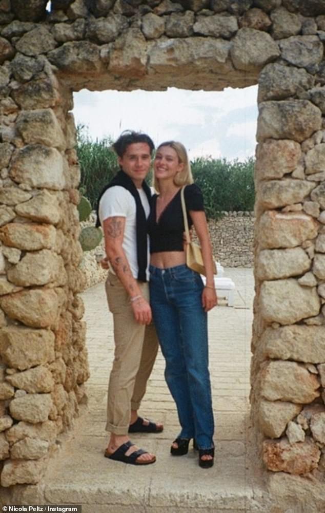 Vợ sắp cưới của cậu cả nhà Beckham hiếm hoi khoe body nuột nà với áo tắm ảnh 3