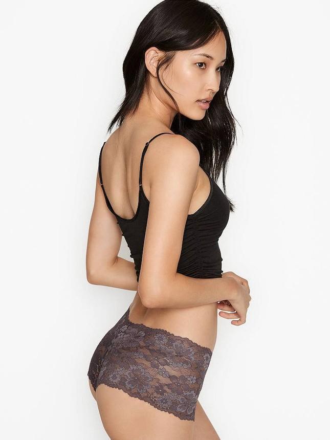 Chân dài Hàn Quốc khoe dáng nuột nà quyến rũ với nội y Victoria's Secret ảnh 8