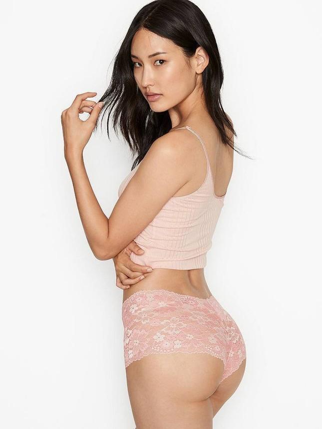 Chân dài Hàn Quốc khoe dáng nuột nà quyến rũ với nội y Victoria's Secret ảnh 15