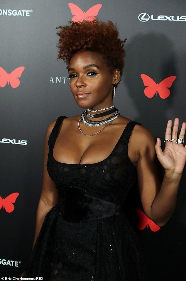 Người đẹp đa tài Janelle Monae mặc tôn ngực gợi cảm dự ra mắt phim ảnh 4