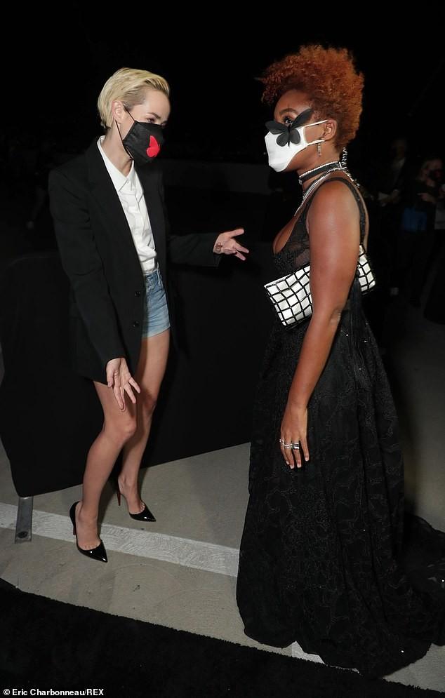 Người đẹp đa tài Janelle Monae mặc tôn ngực gợi cảm dự ra mắt phim ảnh 5