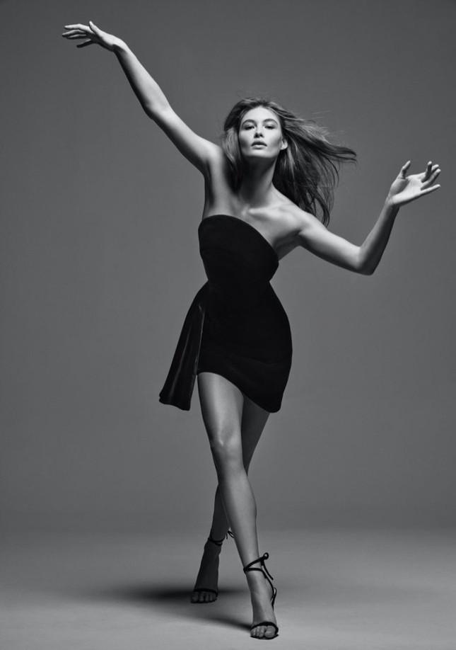 'Thiên thần nội y' Grace Elizabeth thả dáng siêu quyến rũ trong bộ ảnh high fashion ảnh 2