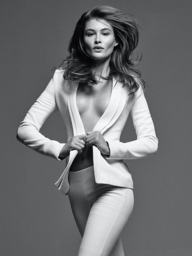 'Thiên thần nội y' Grace Elizabeth thả dáng siêu quyến rũ trong bộ ảnh high fashion ảnh 3