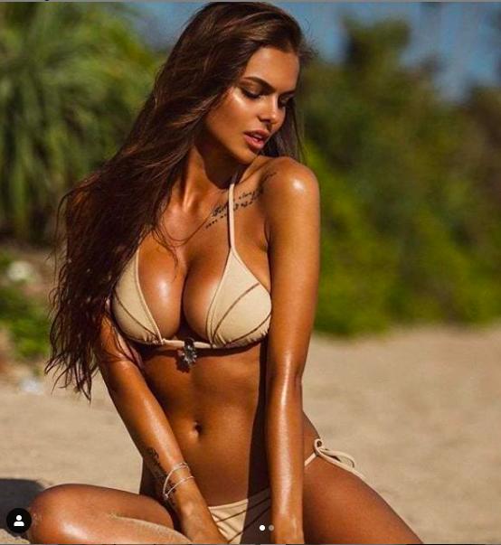 Sắc vóc siêu 'bốc lửa' của mẫu Playboy 9x người Nga ảnh 10