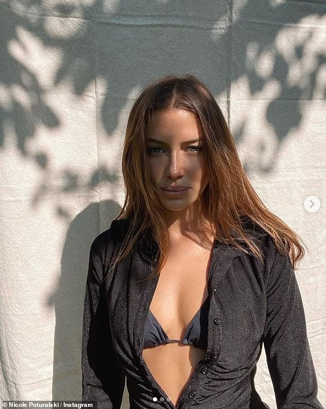 Bạn gái người mẫu kém Brad Pitt 30 tuổi quá xinh đẹp và quyến rũ với bikini ảnh 9