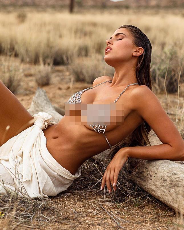 Mẫu 9x có chỉ số cơ thể 'vàng' chụp khoả thân, nóng bỏng 'nghẹt thở' ảnh 5