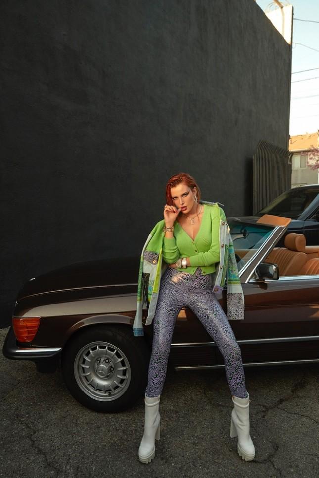 Bella Thorne khoe ngực 'nóng mắt' trên tạp chí ảnh 6