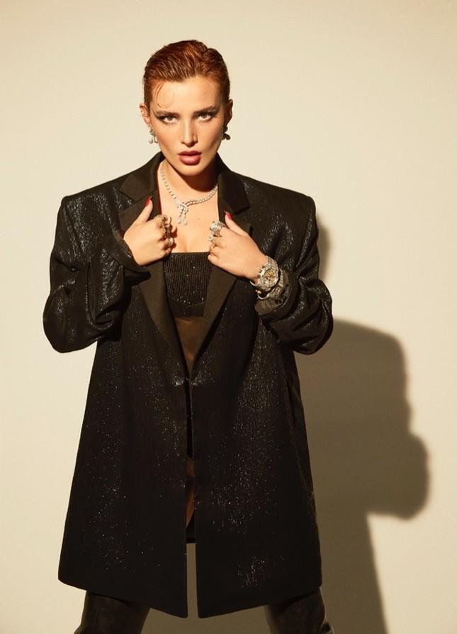 Bella Thorne khoe ngực 'nóng mắt' trên tạp chí ảnh 8