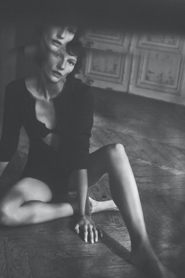 Mỹ nhân Edita Vilkeviciute quảng cáo đồ lót cực gợi cảm ảnh 11
