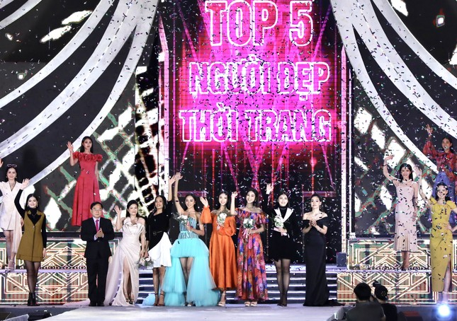 Công bố Top 5 Người đẹp Thời trang của Hoa hậu Việt Nam 2020 ảnh 38